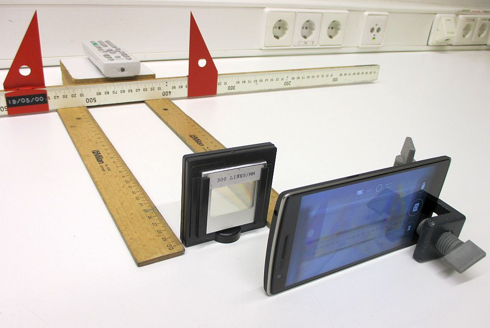 Das Smartphone im MINT-Unterricht. Das Schweizer Messer des kleinen Forschers