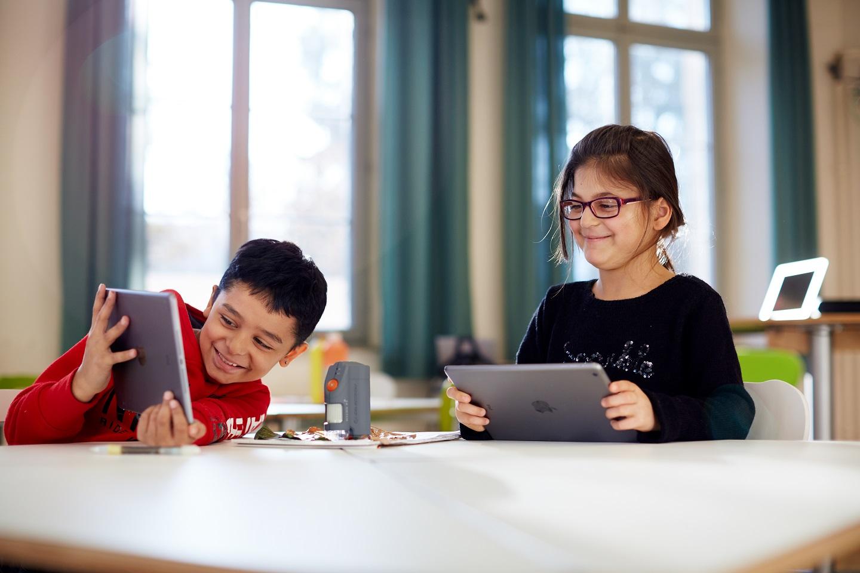 "Mit dem Tablet Programmieren lernen: Die Initiative ""Everyone Can Code"""